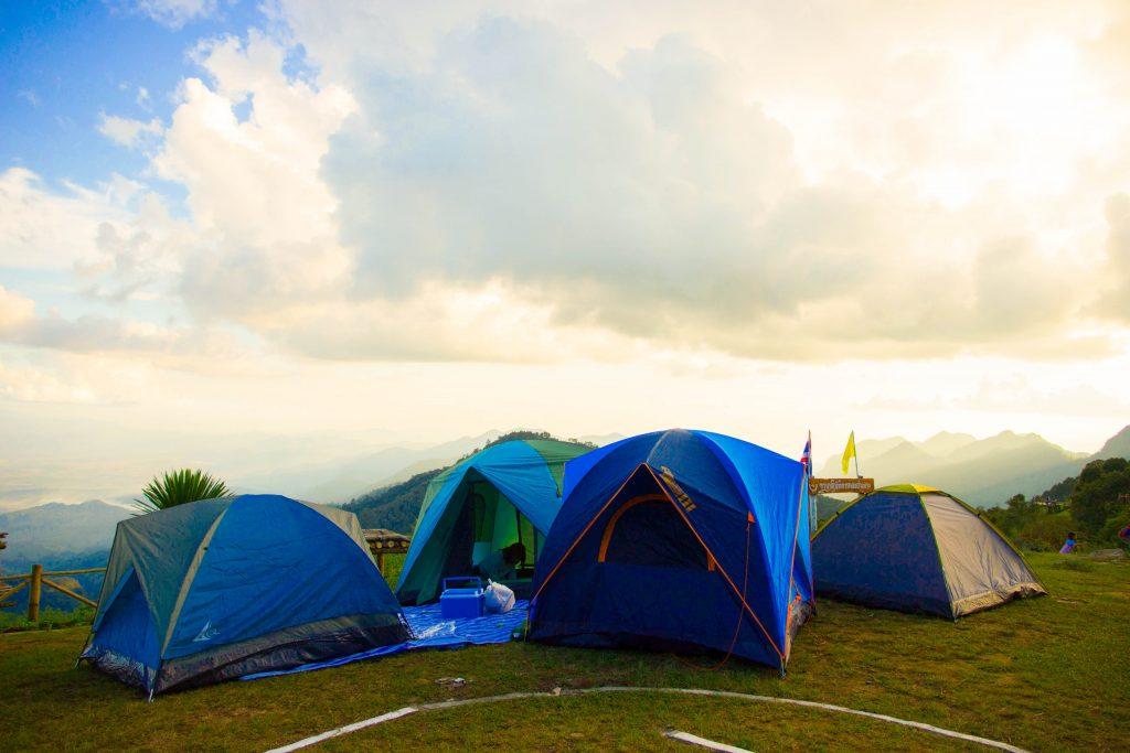 fold a pop-up tent